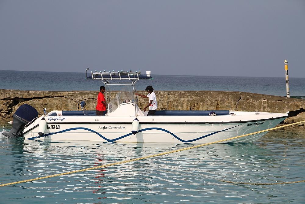 Das Schnellboot kann zusätzlich (auch tageweise) gebucht werden