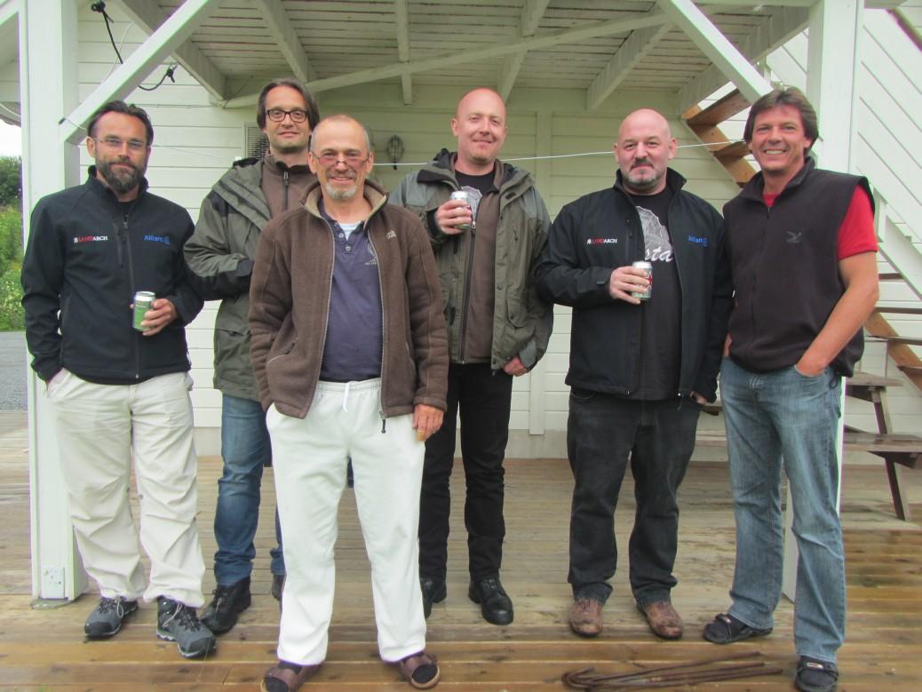 Herzlicher Bier-Empfang in Kvaløyseter mit Ingo und Thomas
