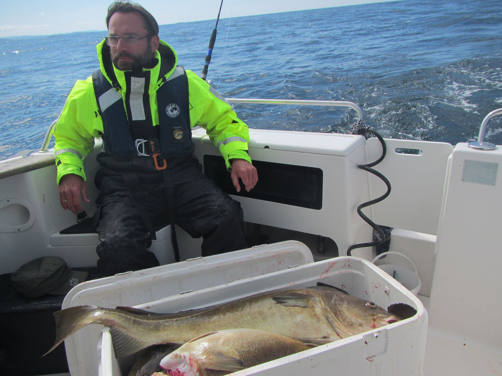 Stefan braucht eindeutig größere Fischkisten ;-)
